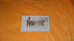 CARTE POSTALE PHOTO ANCIENNE CIRCULEE DATE ?.../ MILITAIRES CANON ?..MITRAILLEUSES ?... - Equipment