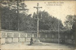 ( SAINT POL DE LEON )( 29 FINISTERE ) LE CALVAIRE DU CIMETIERE - Saint-Pol-de-Léon
