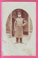 MILITARIA CARTE PHOTO  MILITAIRE DU 132° ECRITE DE REIMS EN 1905 - Bourges