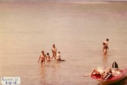 FEMMES ET HOMMES  NUS FKK NATURISME PORQUEROLLES EN 1964 - Nus Artistiques (1960-…)