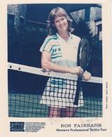 "Ros Fairbank, Women's Professional Tour, Publicity Photo Signed ""Ros"" - Handtekening"