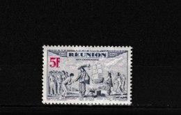 PA  21     **  Y & T   Tricentenaire Du Rattachement à La France  « Poste Aérienne »  *REUNION*  58/53 - Réunion (1852-1975)