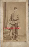 CDV -uniforme Militaire? Jeune Recrue- Lettres Sur Casquette AT (armée Territoriale?)  Par Duval à Tours - Guerre, Militaire