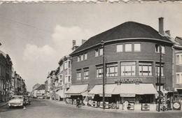 Wavre , Rue Haute ,( Publicité Bière Stella Artois , Brasserie , Et Martini )  Auto , Oldtimer - Wavre