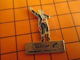 0120 Pin's Pins / Beau Et Rare  / THEME FRANCE TELECOM / ROUGET DE L'SLE Pas Cabillaud De Dunkerque ! AGENCE STRASBOURG - Telecom De Francia