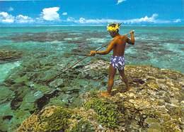 Polynésie Française-Pêcheur Au Harpon Dans Le Lagon Translucide De BORA BORA  (pêche)(B) (Erwin Christian 13-Tahiti - Polynésie Française