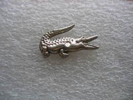 Pin's Petit Crocodile Argenté - Animaux