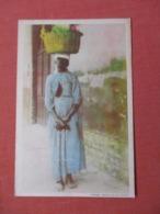 Black Women With Basket On Head  Has Crease     Ref 3842 - Amerika