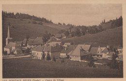 T4  - 25 - Doubs  - LES HOTAUX NEUFS - Le Centre Du Village - Frankrijk