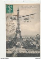 PARIS BIPLAN DE COURSE PASSANT DEVANT LA TOUR EIFFEL POUR SE RENDRE A ISSY LES MOULINEAUX CPA BON ETAT - ....-1914: Vorläufer