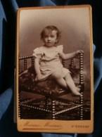 Photo CDV  Marnas à St Etienne  Bébé Blond Assis (2ans)  CA 1890 - L481F - Fotos