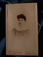 Photo CDV  Cyran à Châtillon Sur Indre  Portrait Femme  CA 1900 - L481F - Fotos