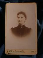 Photo CDV  Andouard à Paris  Portrait Femme Souriante  Cheveux Frisés  CA 1895 - L481F - Photographs