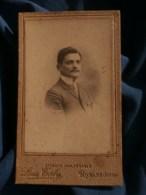 Photo CDV  Taly à Romans  Portrait Homme  Grand Col Dur  CA 1900 - L481F - Fotos