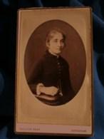 Photo CDV  Guillon à Issoudun  Portrait Jeune Fille Blonde  CA 1885 - L481F - Fotos