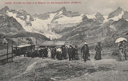 ARRIVEE DU TRAIN A LA STATION DU GORNERGRAT . - VS Wallis