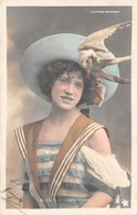 CPA Femme - Portrait - Artiste - Miss Eva SANDERSON - Théâtre Marigny - Entertainers