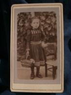 Photo CDV Anonyme - Fillette Au Panier, Vers 1900 L485 - Fotos