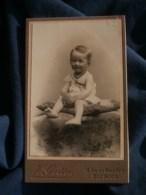 Photo CDV Jules Gotté à Bourges - Bébé Blond Sur Un Coussin Vers 1895-1900 L485 - Fotos