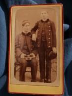 Photo CDV De Sauvezac - Deux Jeunes Lycéens, Collégiens En Uniforme, Vers 1880-85 L485 - Fotos