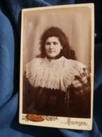 Photo CDV Abel à Bourges -  Portrait Jeune Femme Cheveux Lachés, Robe écossaise, Plastron Dentelle, Vers 1890 L485 - Fotos