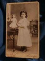 Photo CDV Abel à Bourges -  Fillette Et Sa Jolie Poupée, Vers 1890 L485 - Fotos