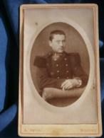 Photo CDV A. Daval à Belfort - Militaire Soldat Du 42e D'infanterie, Vers 1890 L485 - Fotos