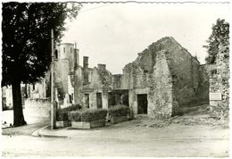 CPSM DE ORADOUR-SUR-GLANE  (HAUTE VIENNE)  BOURG MARTYR - 12 JUIN 1944 - PLACE DE L'EGLISE - Oradour Sur Glane