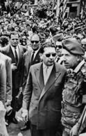 Putsch D'ALGER Ou Coup D'Etat Du 13 Mai 1958 - Le Général Massu Et Soustelle Lors Du Départ De Ce Dernier - Algiers