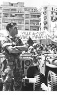Putsch D'ALGER Ou Coup D'Etat Du 13 Mai 1958 - Para De La 10e Division Sur Le Forum - Jeep - Algiers