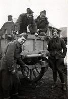 Photo Originale Guerre 1939/45 - Groupe De Soldats Français Dans Leur Remorque - Prisonniers ??? Uniforme - Oorlog, Militair