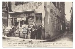 CLEMONT-FERRAND (63) Palais Des Soldes - Emile Le Barbu - Rue Des Petits Gras - Animé - Clermont Ferrand