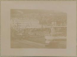 Tirage Circa 1900. Villefranche-sur-Mer (Alpes-Maritimes). Les Torpilleurs De L'escadre Dans Le Port. Bateaux De Guerre. - Luoghi