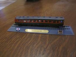 CN39 Locomotive, Tokaido Série 80, Japon, 1-160 N, Légérement Déformée - Versieringen
