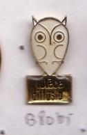 B80 Pin's Owl CHOUETTE HIBOU Lutèce Diffusion L'Isle-Adam Val-d'Oise Achat Immédiat - Animaux