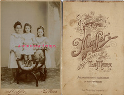Grand CDV-(CAB) 3 Jeunes Filles Jolies En Habits Du Dimanche-photo Maffer Rue Calemard - La Mure - Anciennes (Av. 1900)