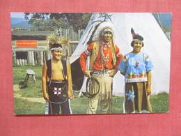 Seneca Indians Father Son & Daughter     Ref 3843 - Indiaans (Noord-Amerikaans)