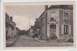 LE GUEDENIAU ROUTE DE BAUGE ANIMEE TBE - Francia