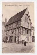 - CPA LA CHATRE (36) - Maison De Bois - Rue Nationale (avec Personnages) - Edition L. Lureau - - La Chatre