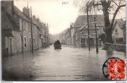 18 BOURGES - Avenue De La Gare Pendant La Crue De 1910. - Bourges