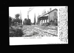 C.P.A. D UN TRAIN A LA GARE DE PARCIEUX 01 - France