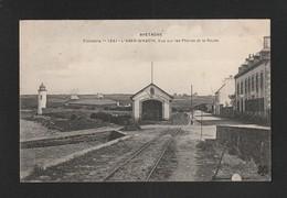 L ABER WRAC'H  Abri Du Canot De Sauvetage  Et Phare   \ TTB  état /  X412 - France