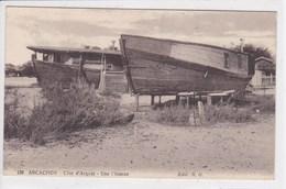 33 ARCACHON Une Pinasse ,bateau De Pèche - Arcachon