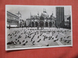 Italy > Veneto > Venezia (Venice) Pigeons Stamp & Cancel ====Ref 3845 - Venezia (Venice)