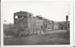 Photo - CGB Chemin De Fer De Grande Banlieue - Ligne Saint Germain En Laye Les Mureaux Voie Normale - à Equevilly - Trains