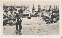 DOUARNENEZ. CP Voyagée Le Débarquement Du Thon - Douarnenez