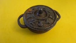 Ancienne Marmite En Fonte De Poupée - Jouets Anciens