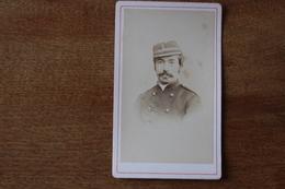 Cdv Photographie Militaire   Second Empire  Officier Képi Capitaine - Guerra, Militari