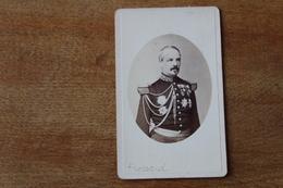 Cdv Photographie Militaire   Second Empire  Général FROSSARD Ordres Et Décorations   Avec Autographe - War, Military