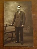 Oude Foto-postkaart Van MAN In Sepia-kleur Door PHOTO  B.  WILLEMSEN  AALST - Persone Identificate